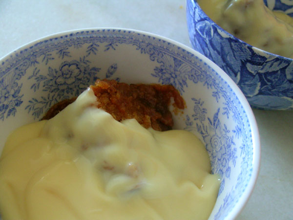 Instant Britain: Sticky Toffee Sponge Pudding & Custard